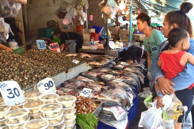 今やタイの国民食に。天皇陛下からプミポン前国王に贈られた魚「プラーニン」