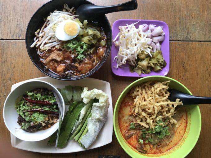 """バンコクの学生街""""ラップラオ地区""""で愛される北タイ料理レストラン"""