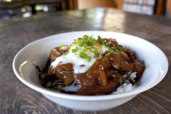 和食とインドネシア素材のいいところ取り!ウブドの老舗食堂