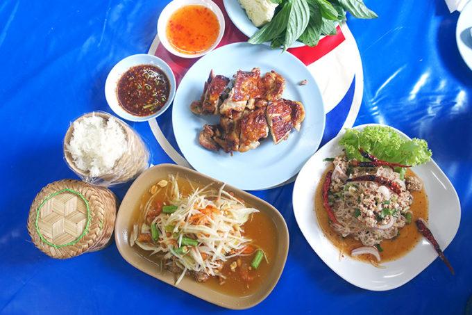 バンコクの地元民が溺愛する「絶品ガイヤーン」食べ比べ