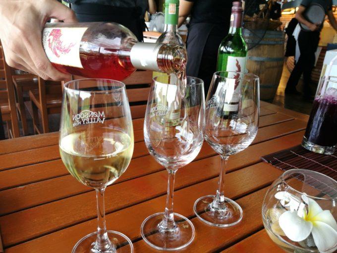 広大なワイン園を眺めながら食事とワインを楽しもう!ホアヒン「THE SALA」
