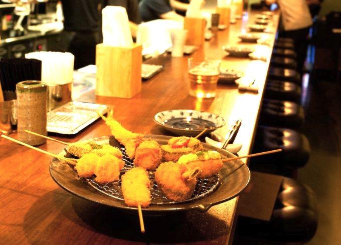 大阪の味をシンガポールで!気軽に本格串カツを堪能できるお店