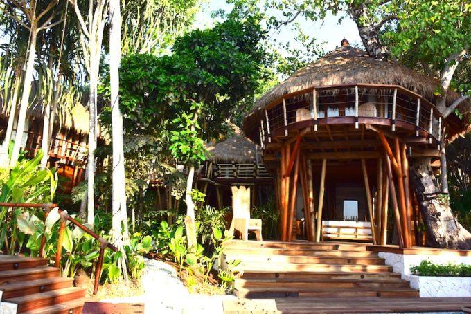 有名旅行雑誌が選んだ ナンバー1リゾートのあるインドネシア「スンバ島」