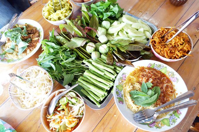 バンコクで楽しむ!大満足の絶品マーケット朝ごはん