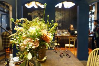 バンコクで大流行中! フラワーショップが営むお花カフェに行こう